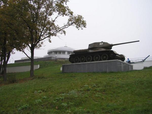 /Files/images/выставка военной техники времён войны танк .JPG