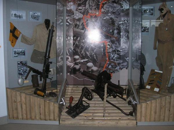 /Files/images/личные вещи, образцы вооружения.JPG